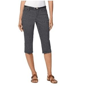 Gloria Vanderbilt Anita Capris with belt